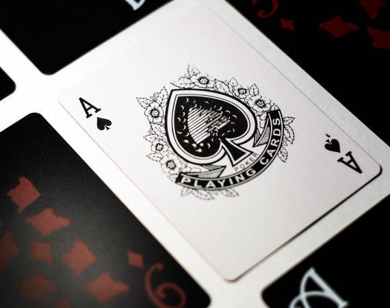Mejora tu intracomunicación: el póker de ases de la autoconfianza